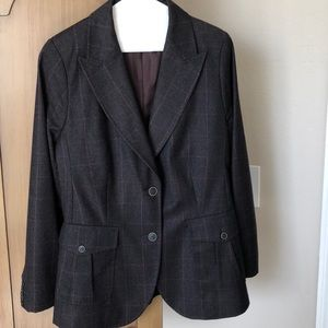 BANANA REPUBLIC TWO PIECE SUIT